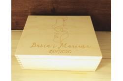 Drewniana szkatułka ślubna z grawerem