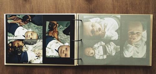 Drewniany album na zdjęcia z przekładkami