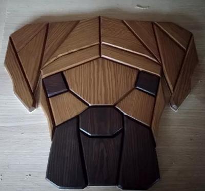 geometryczny bokser z drewna